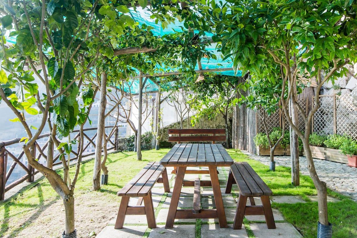 Villa con piscina riscaldata e una splendida vista panoramica sul mare