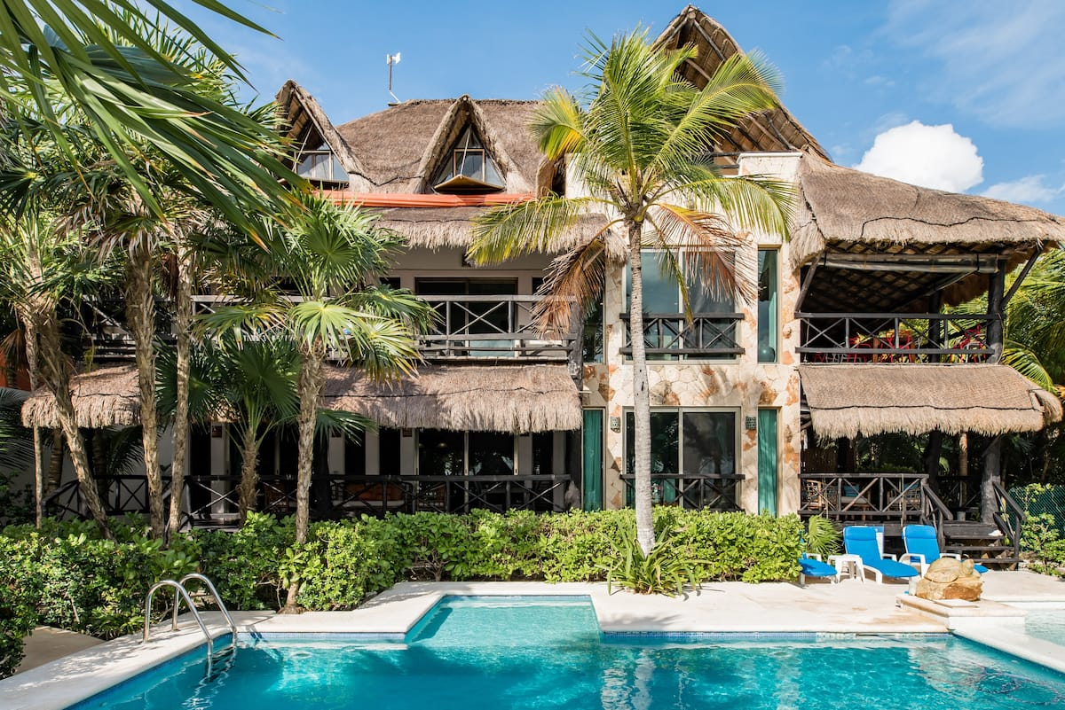 Majestic Beachside Getaway in Soliman Bay