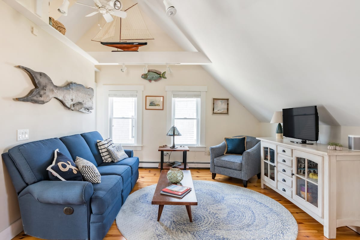 Walk to the Beach From a Breezy Provincetown Gem