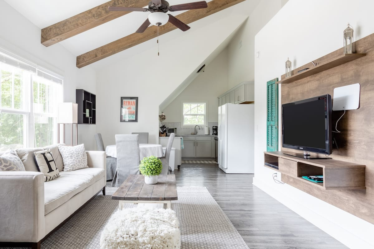 Spacious Urban Oasis in Heart of 12 South