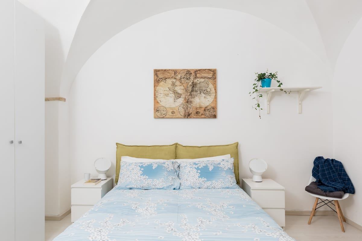 Charming Apartment in a Historic Building in Central Rome