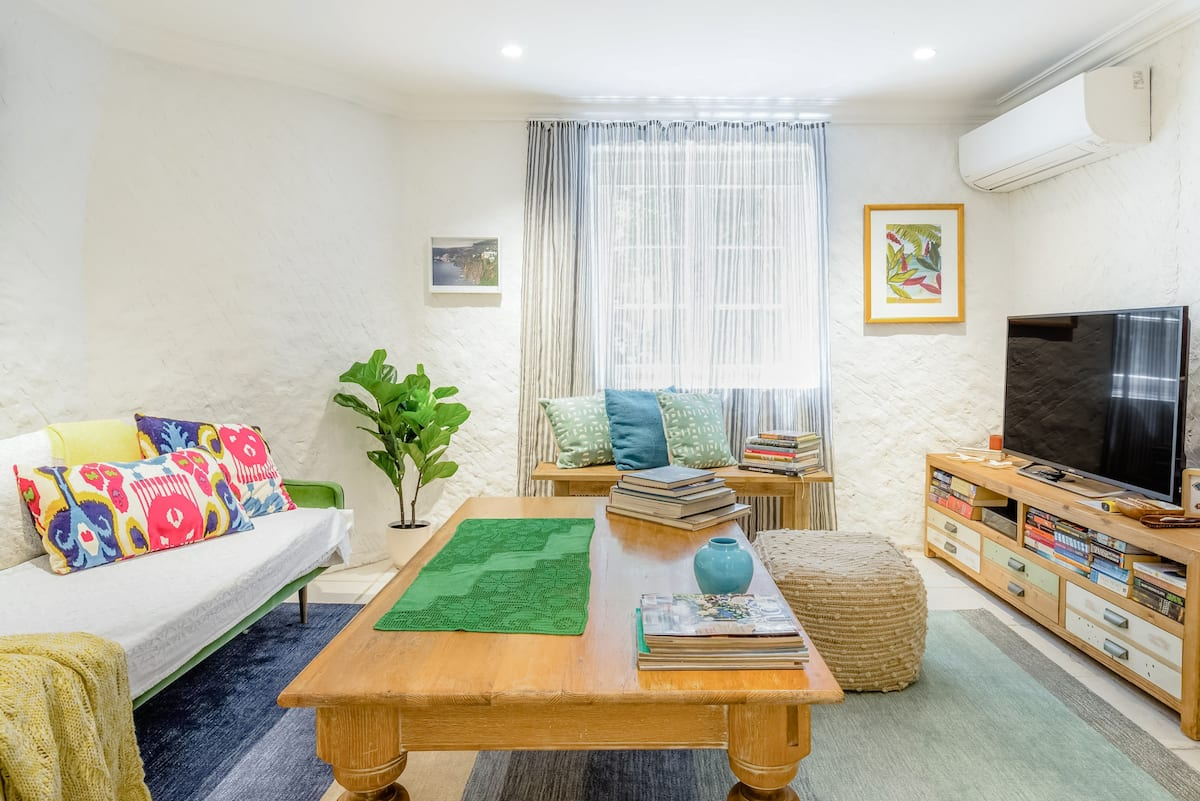 Comfy, Eclectic Studio with Tropical Garden