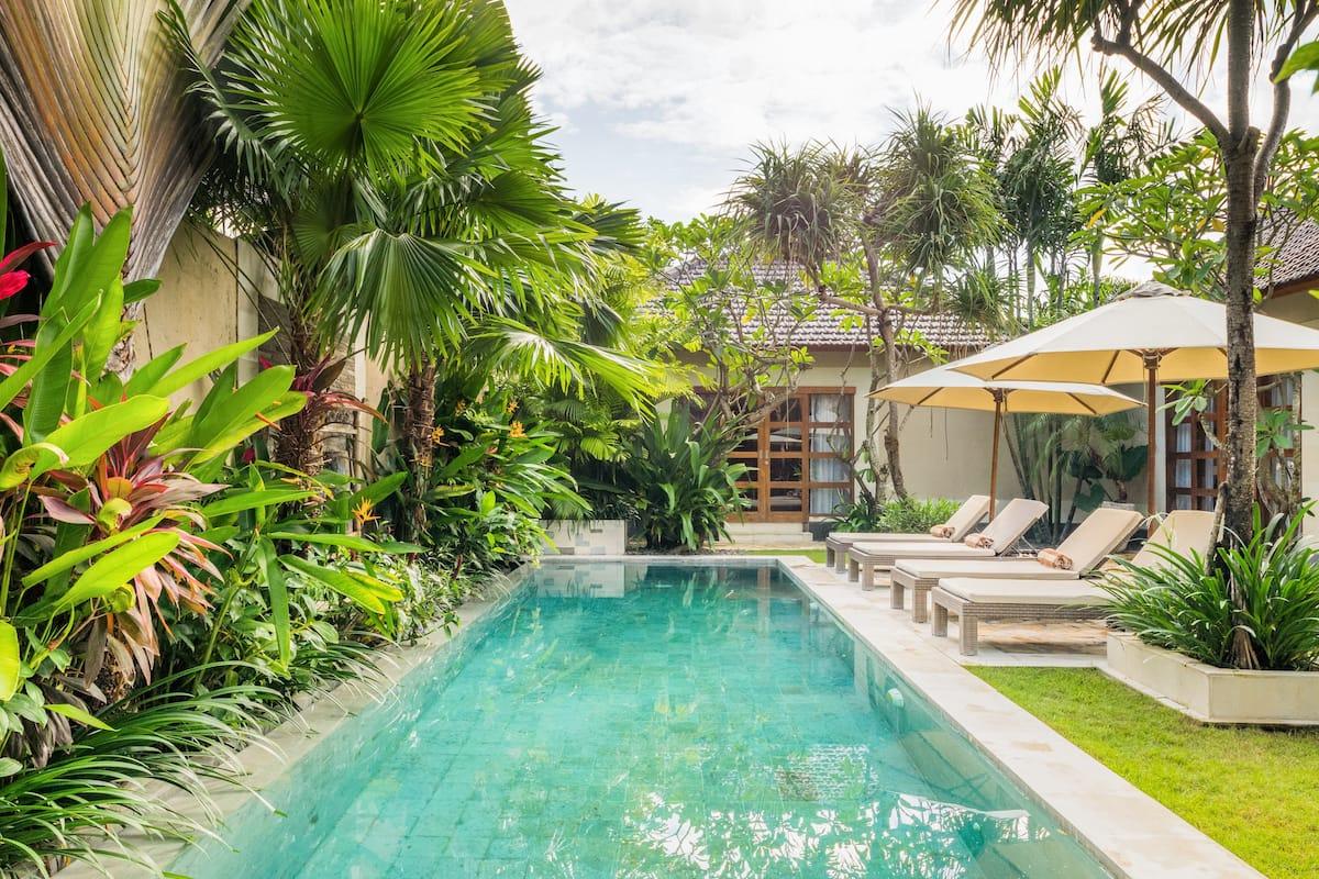 Villa Dayak-Asmat - luxury tropical retreat
