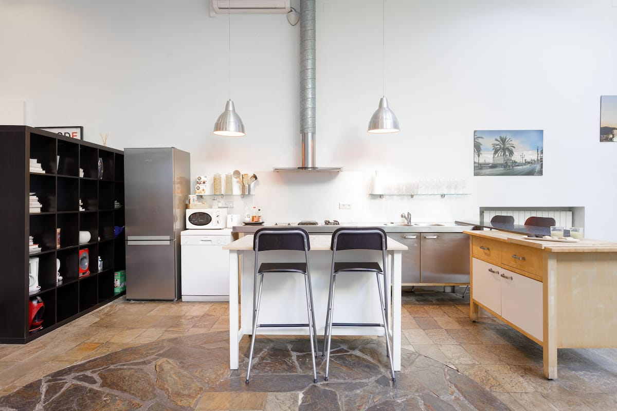 Amazing and Bright Loft near Las Ramblas