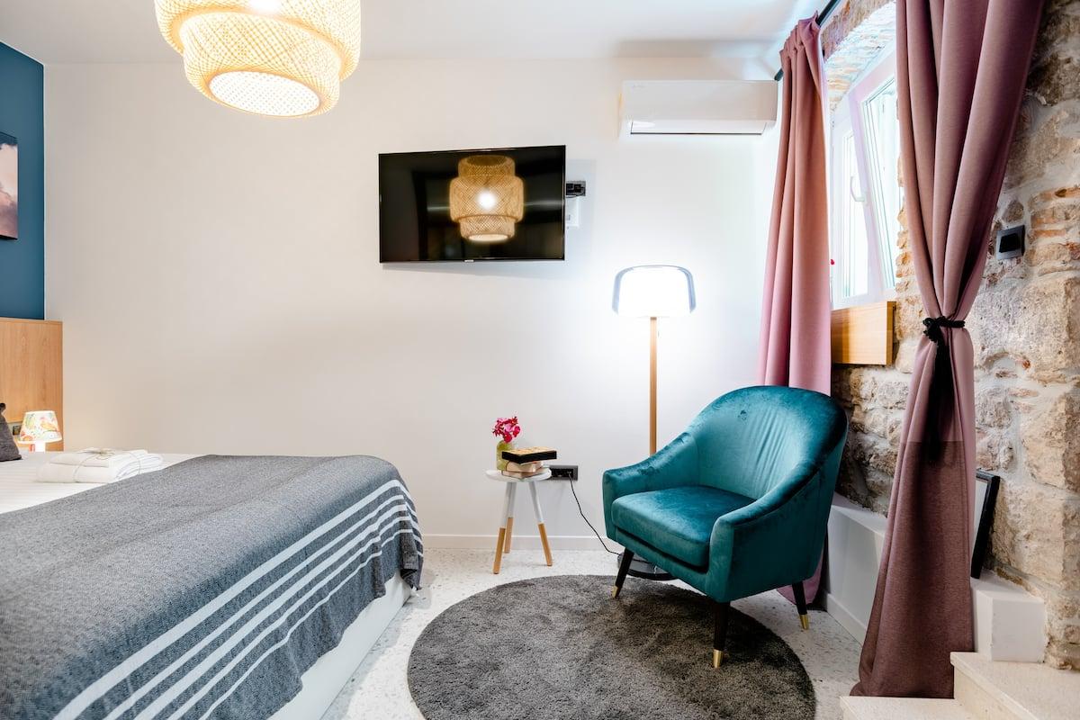 eM Room Zadar in Old Town Apartment Near The Sea Organ