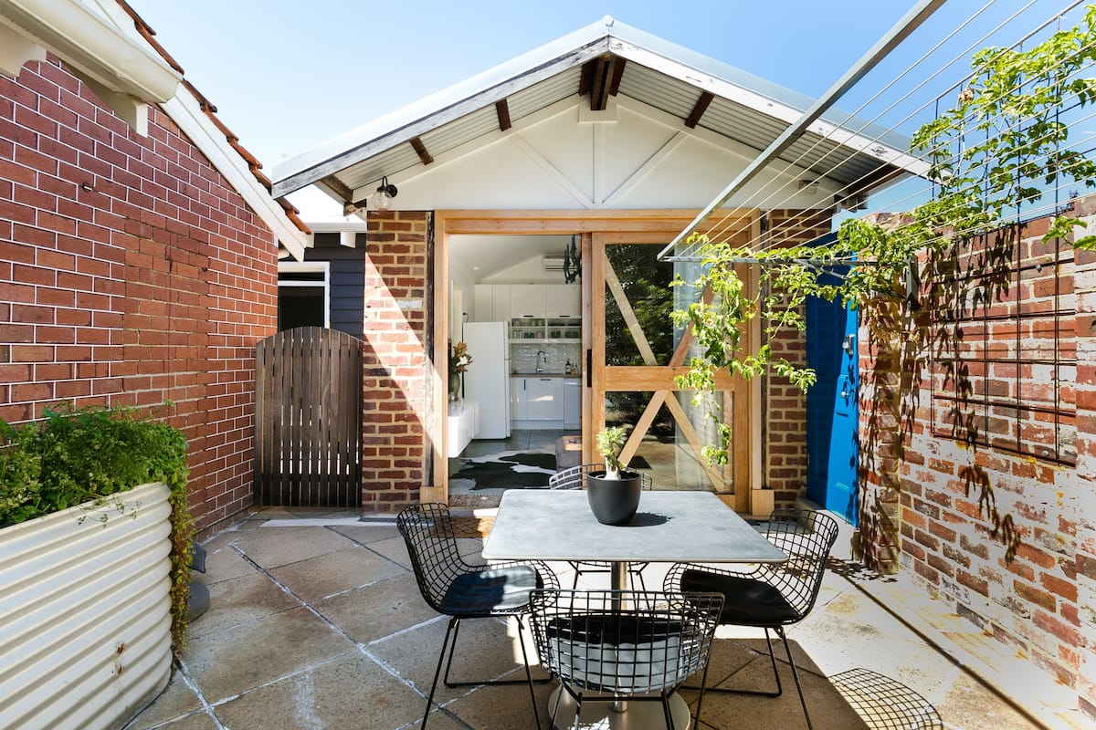 Explore Perth from the Tudor Lodge Garage Heritage Cottage
