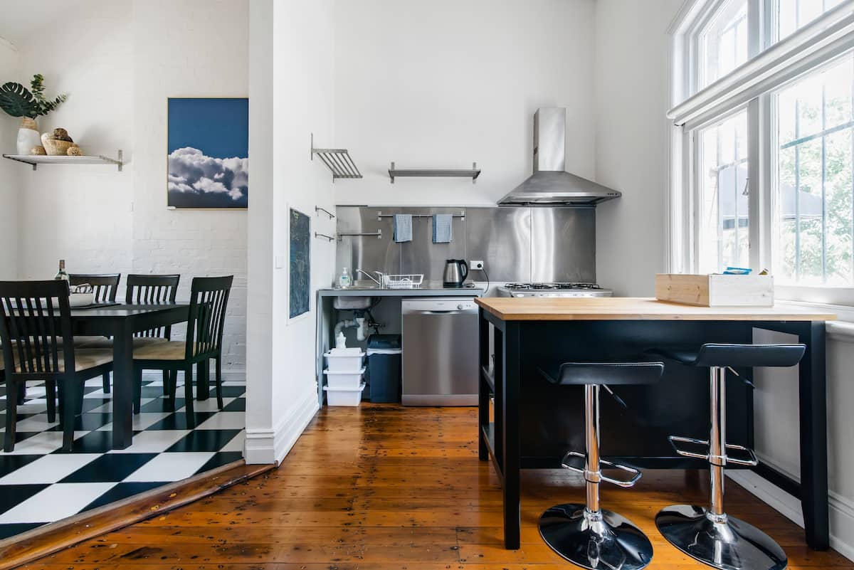 The Argyle. Tour the Rocks from an Airy and Stylish Home.