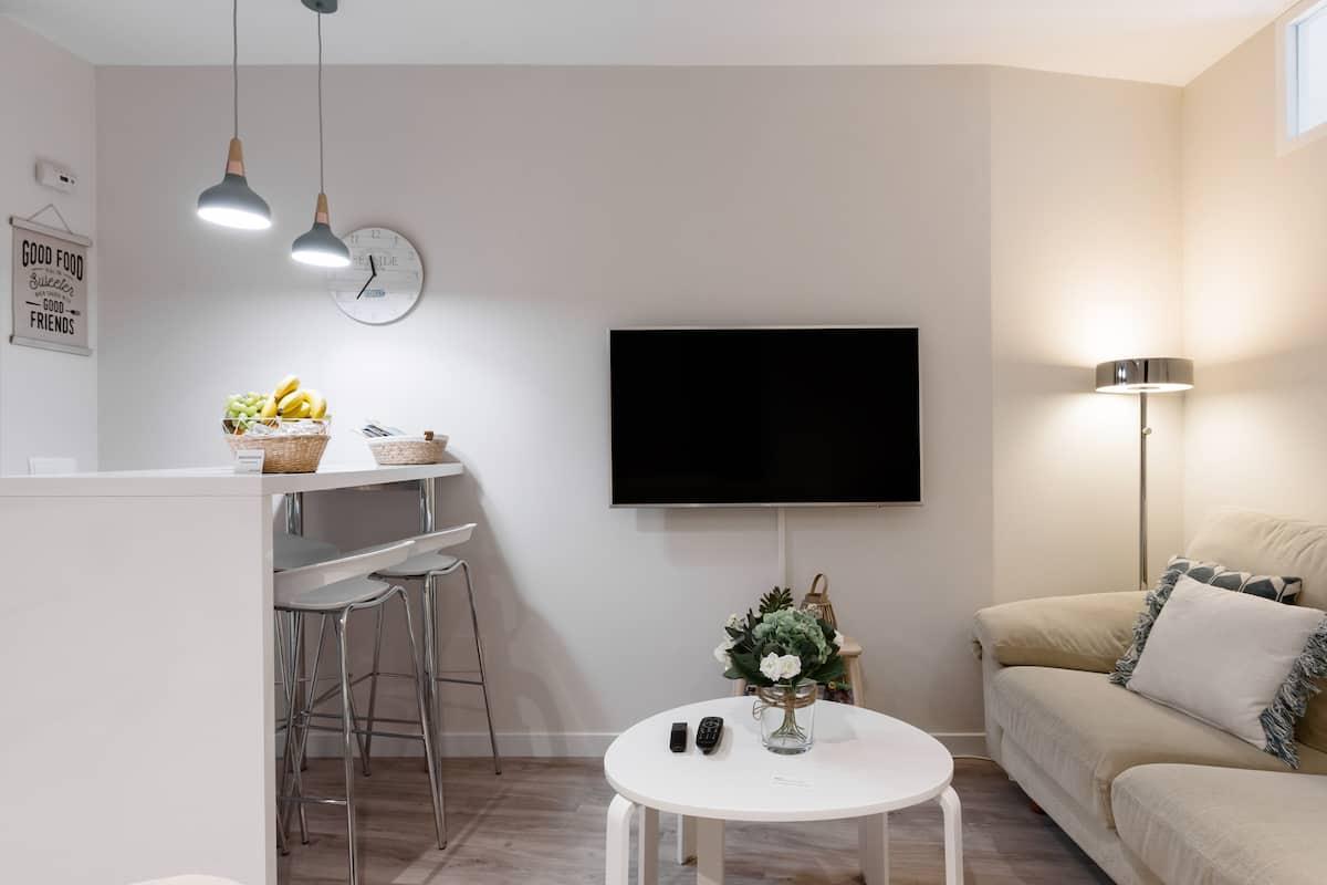 Disfruta de la inmejorable ubicación de este sofisticado y acogedor apartamento