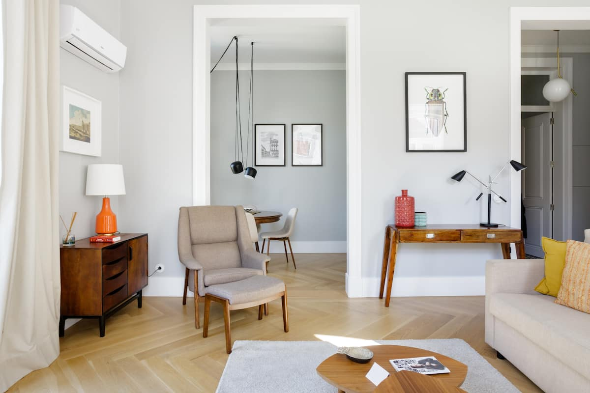 Design Meets Classic Elegance in a 19th Century Apartment