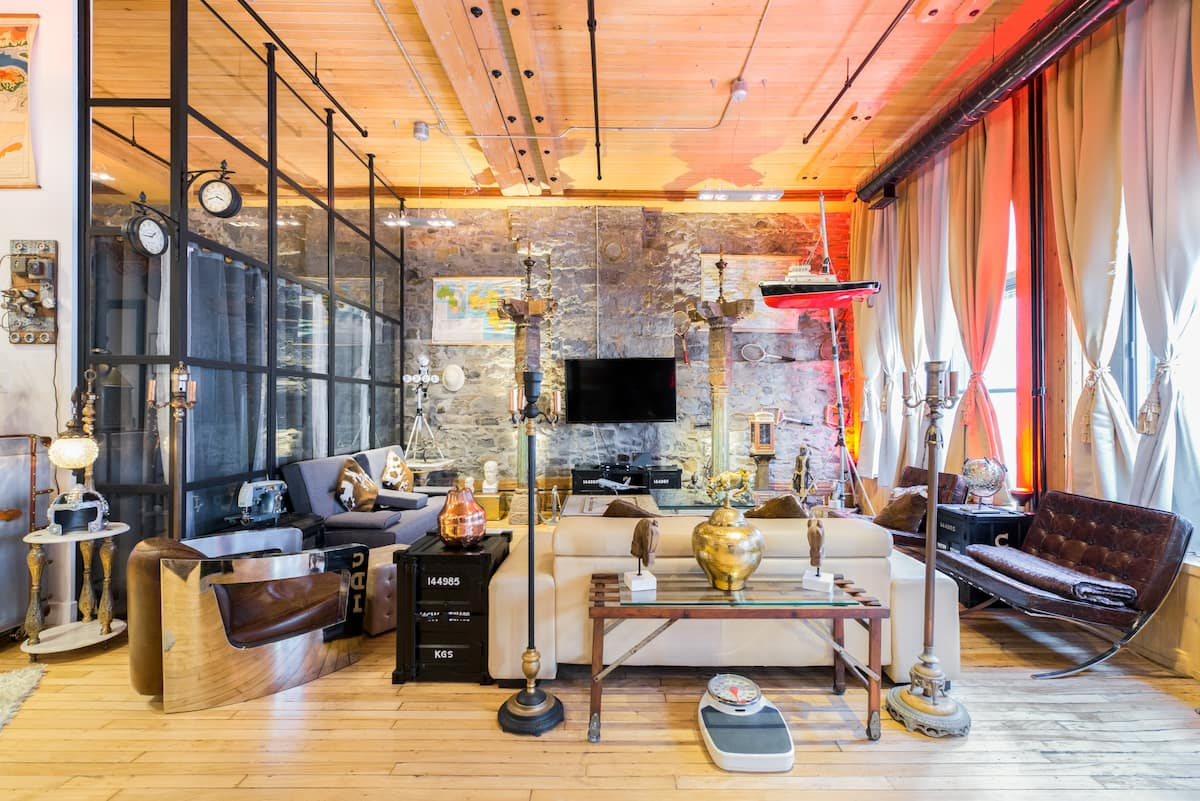 Exquisite Luxury Loft Near Notre Dame Basilica