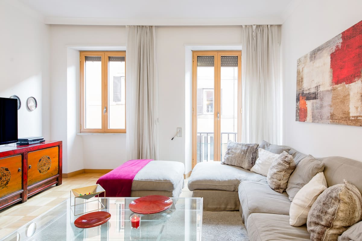Elegant Family Size Apartment in the Center of Rome