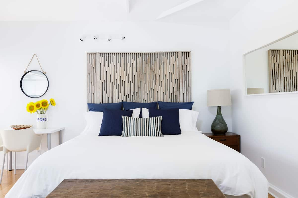 Modern, Romantic Sea Cottage by Santa Monica Beach & Venice