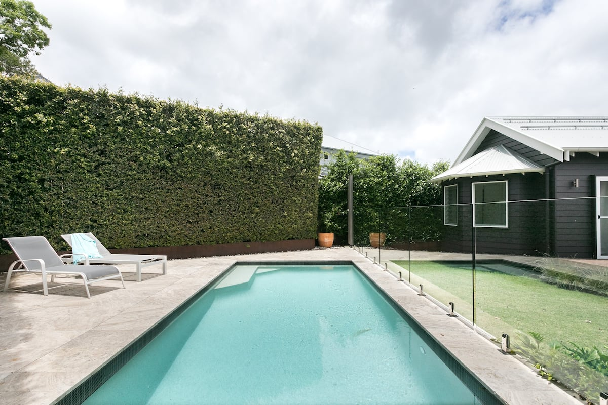 Stylish Self-Contained Studio with Pool in Bangalow