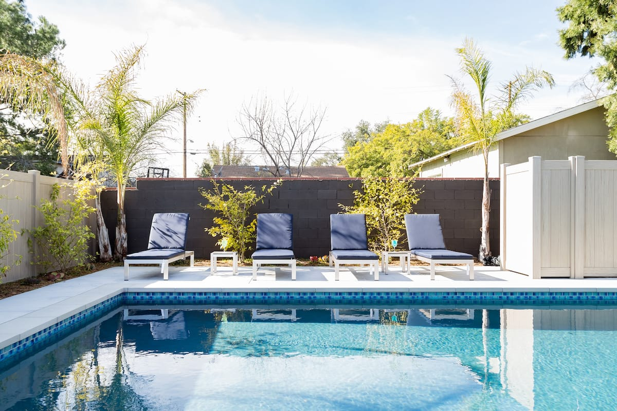 Hip Poolside Gem Near Old Town Pasadena, Rose Bowl & LA