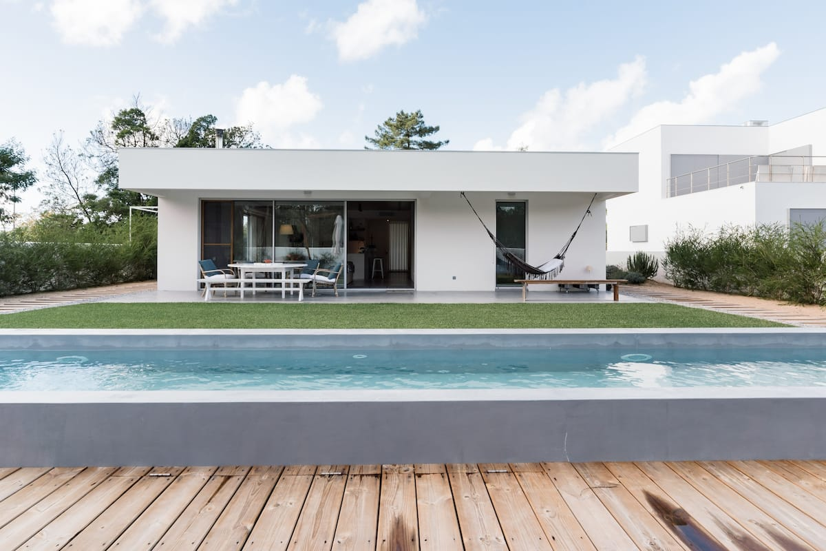 Minimalist Architecture Home with Outdoor Pool