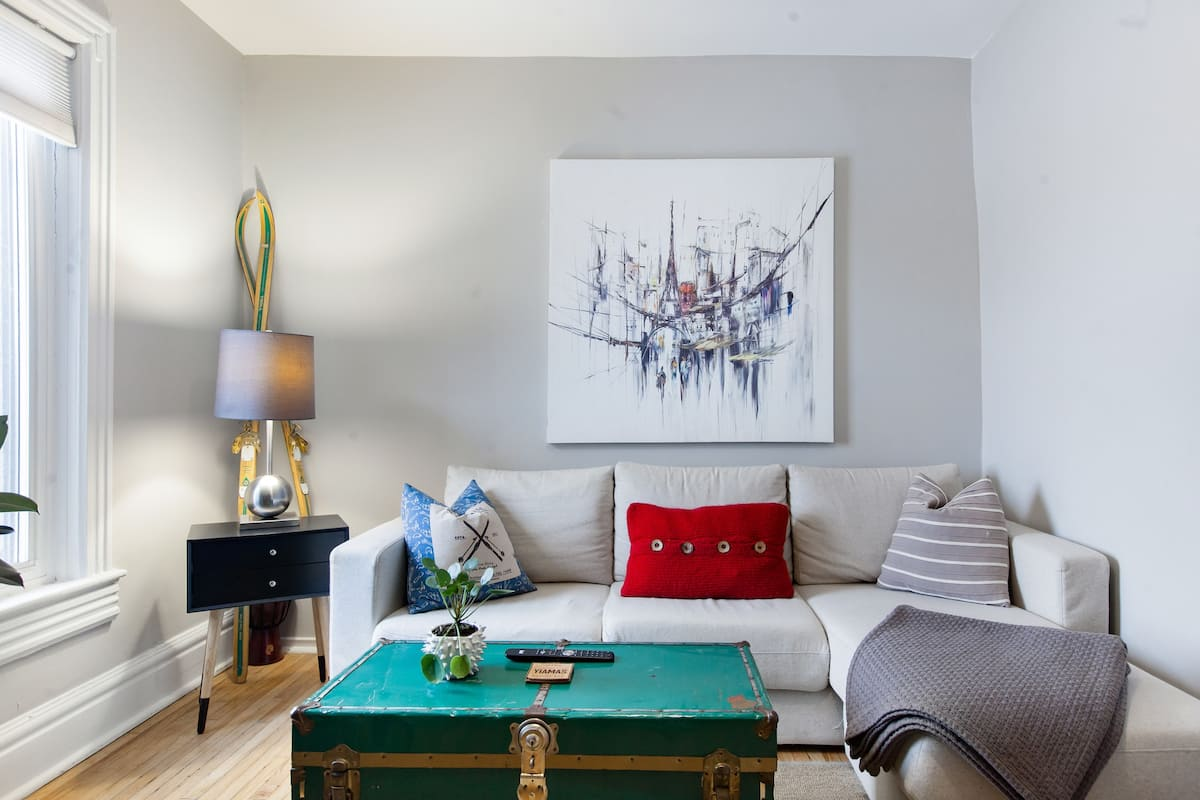 Retreat to a Stylish Flat in Toronto