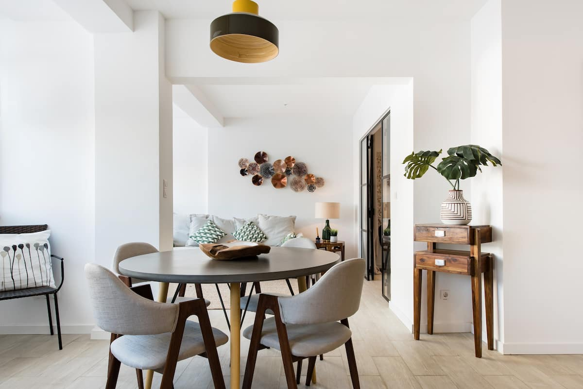 Apartamento com decoração sofisticada perto da praia