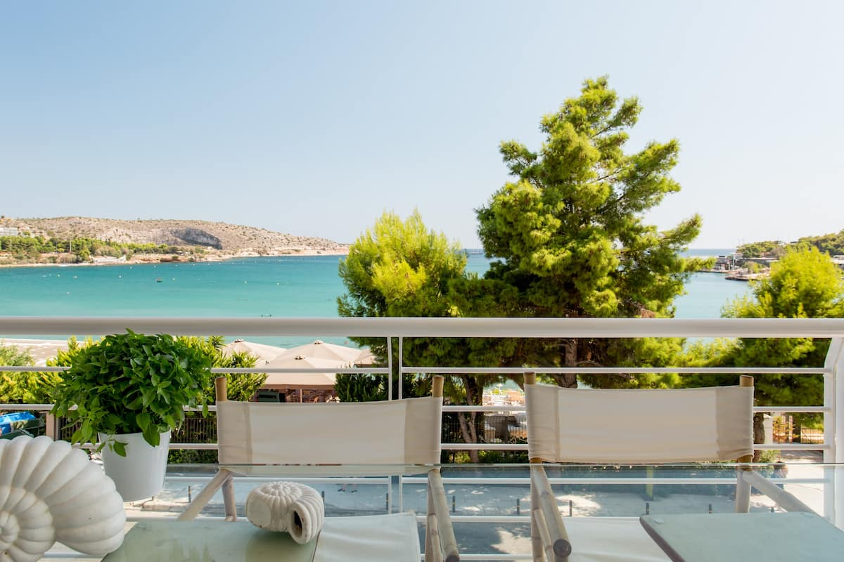Vouliagmeni Luxury Seaside Apartment