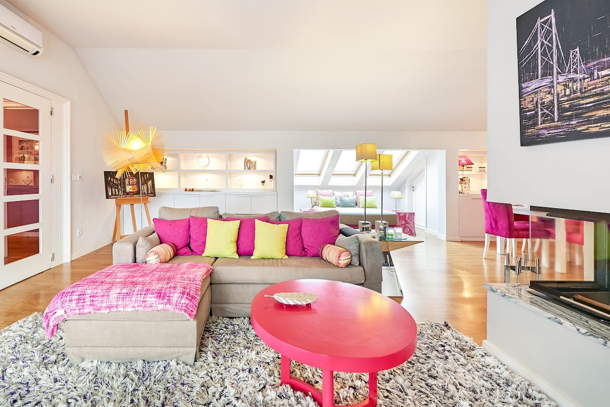 Penthouse Moderna e Elegante  com Terraço Privado