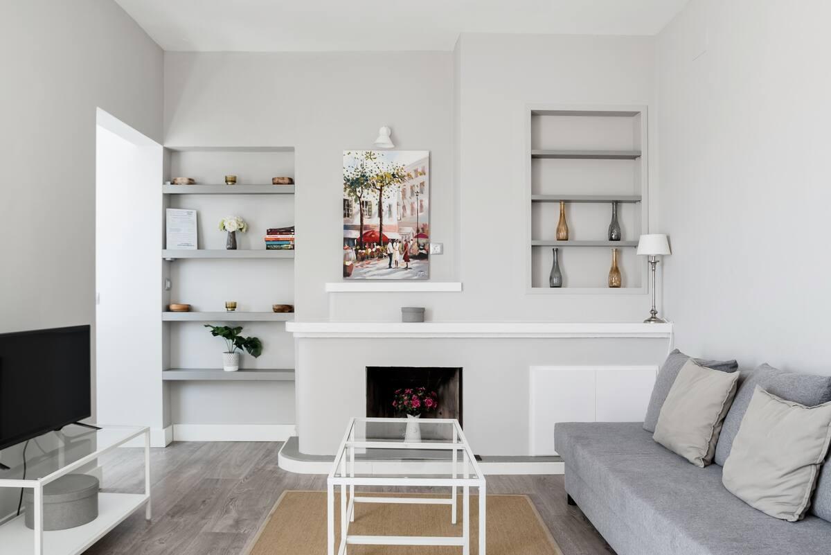 Encuentra la paz interior en este ático de decoración minimalista