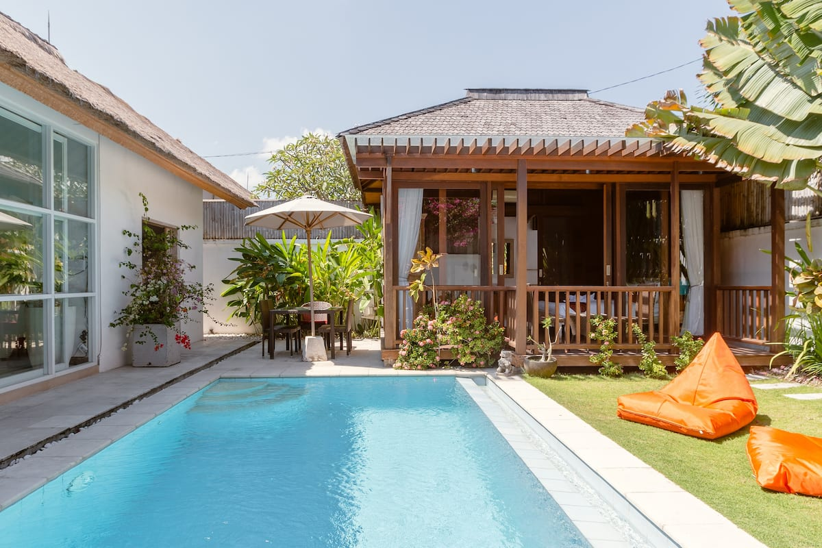 Thatched Tropical Garden Home with Pool in Trendy Seminyak