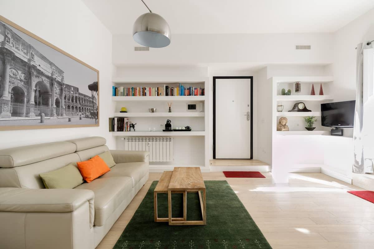 Suggestivo appartamento romano con prezioso giardino privato