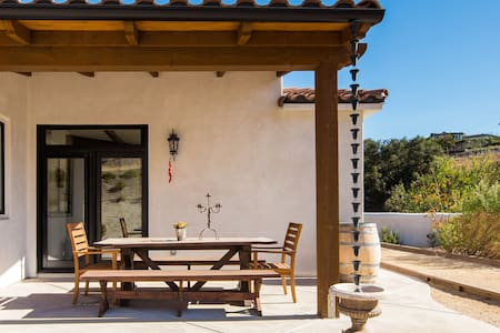 La Casa de Robles- A Luxury Wine Country Retreat
