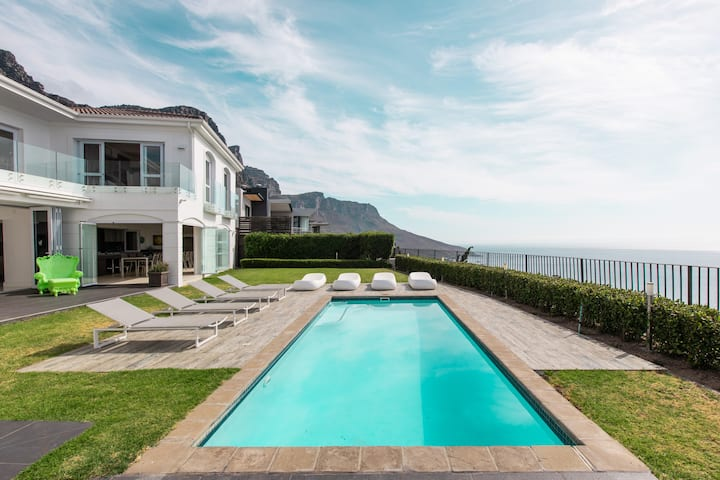 Spectacular Villa in Camps Bay