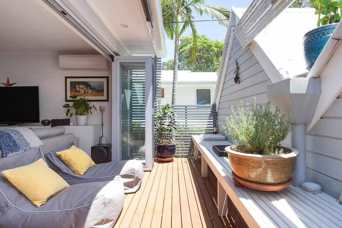 Push Back Bi-Folding Doors to a Deck in this Sunny Townhouse