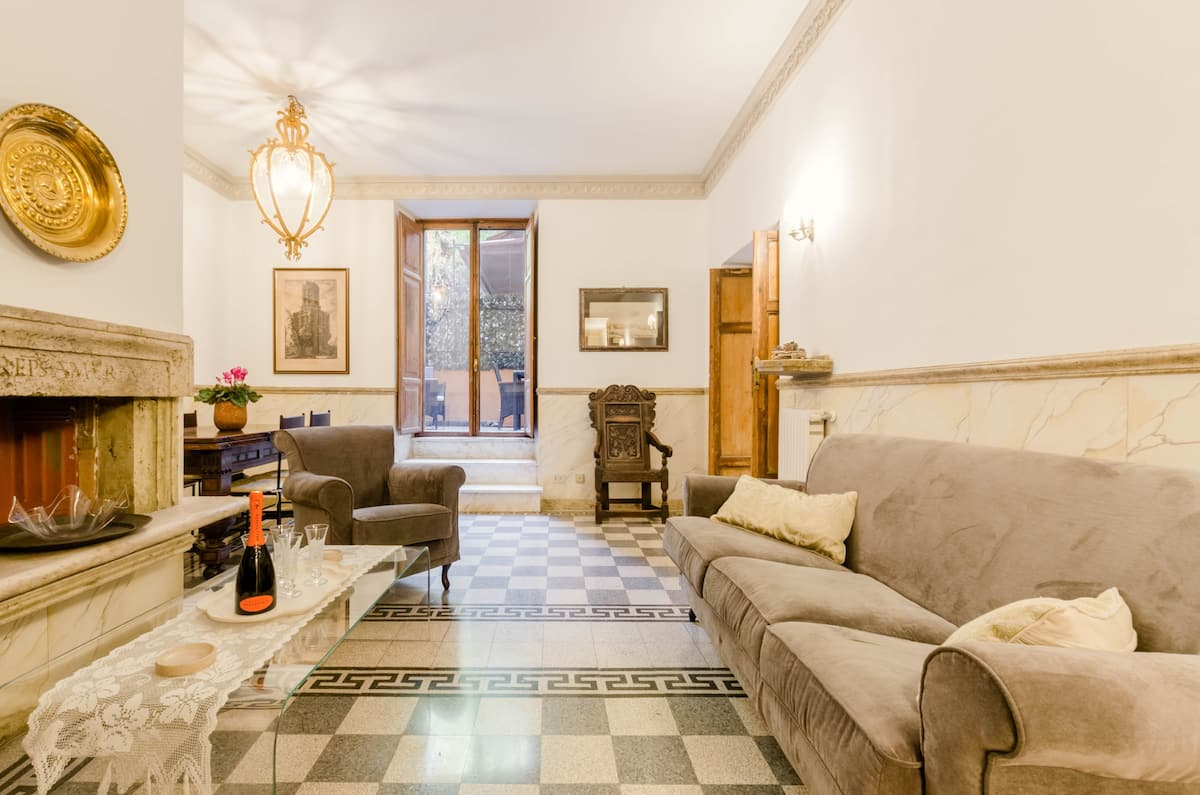 Stay near the Spanish Steps in a Historic Flat