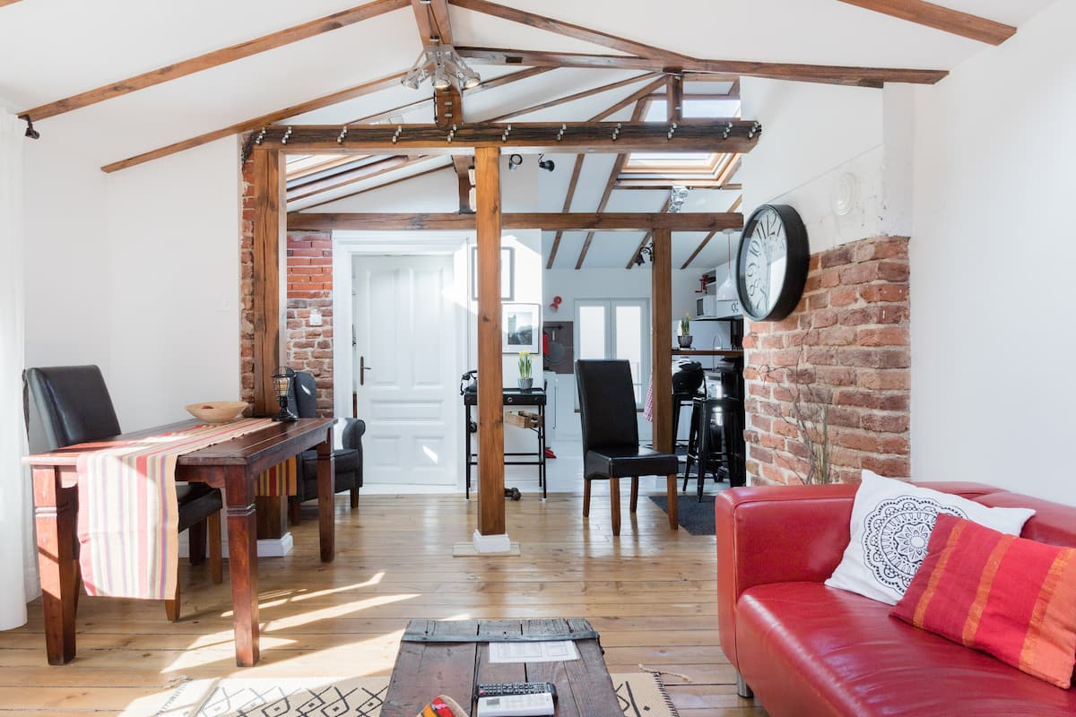 Loft in 100-Year-Old House in Historic Area of Downtown