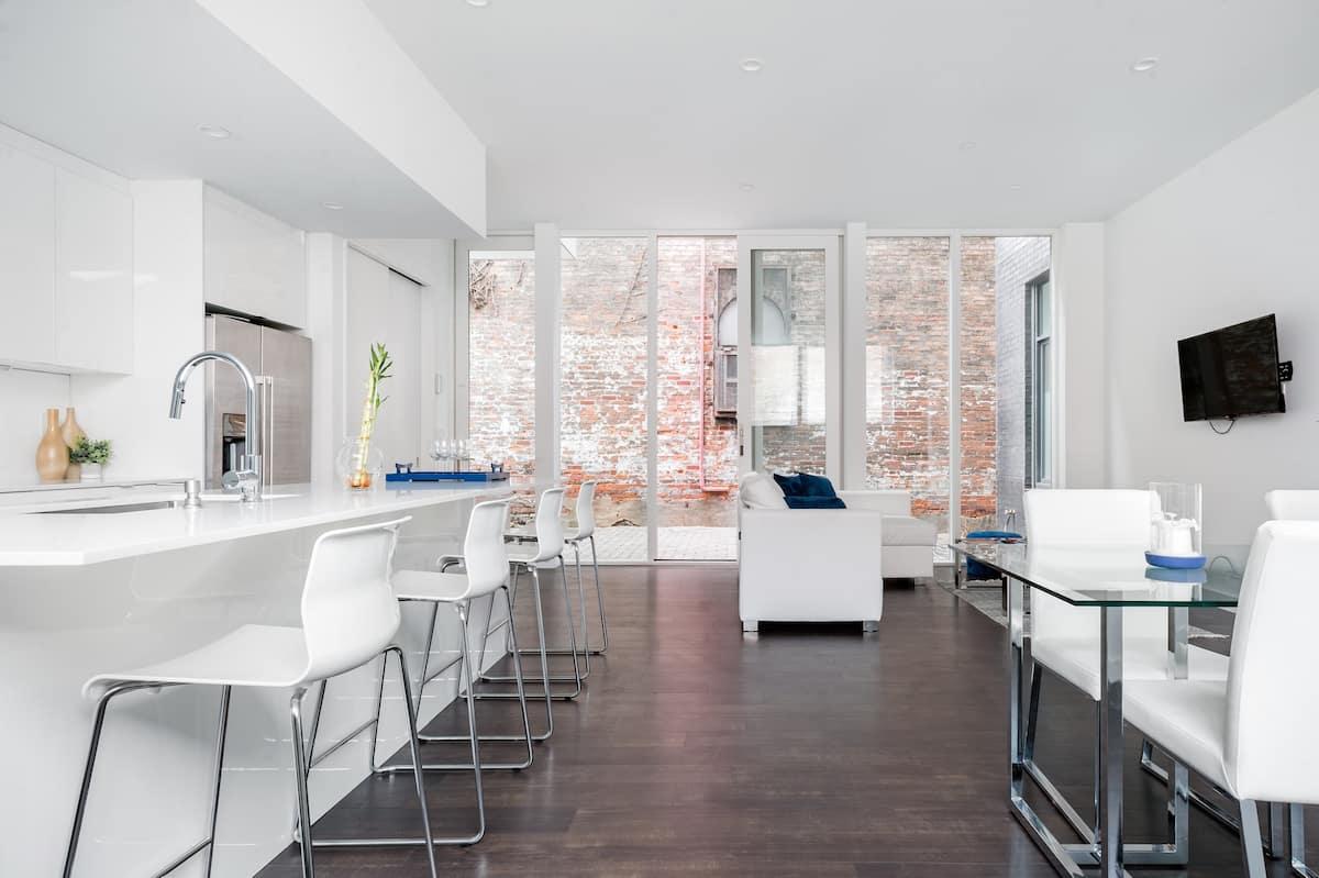 Architect Designed Minimalist Boutique Apartment