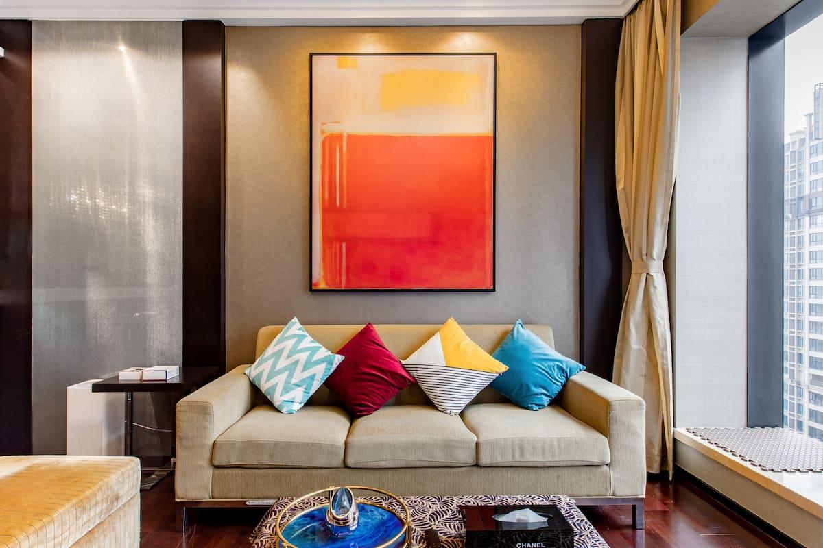 珠江新城色彩缤纷的CBD总统套房
