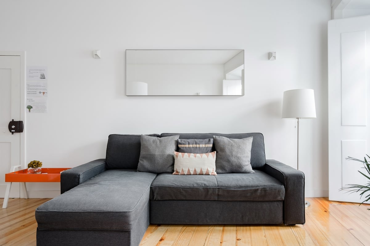 Cozy 1st floor flat. AC & Balconies. Central Chiado District