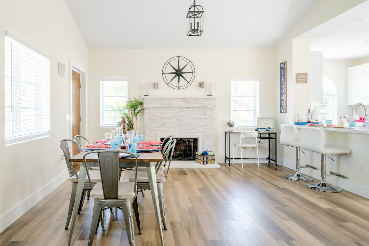 Newly Renovated Historic District Home, Beach-Downtown