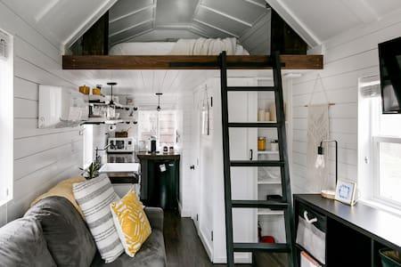 Cozy Casita Retreat with Big Backyard in Heart of the City