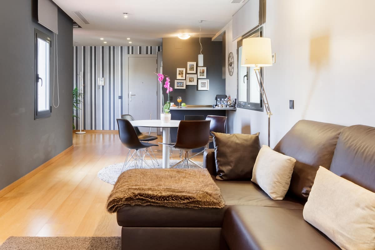 Striking Modern Apartment in a Central Landmark Building at Paseo de Gracia