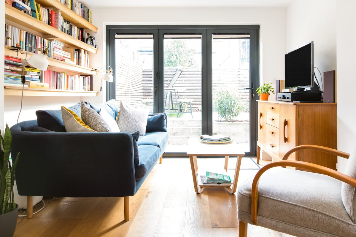 Sunny Flat with Garden near Historic Brixton & Camberwell