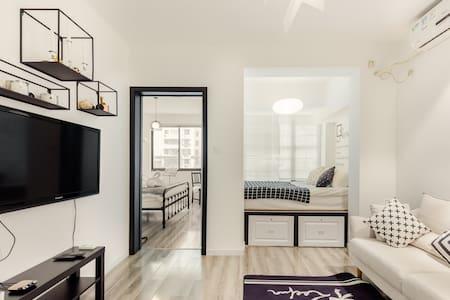 入住简约赫本风 迪士尼零距离的普通公寓,邂逅无限阳光下的慵懒时光