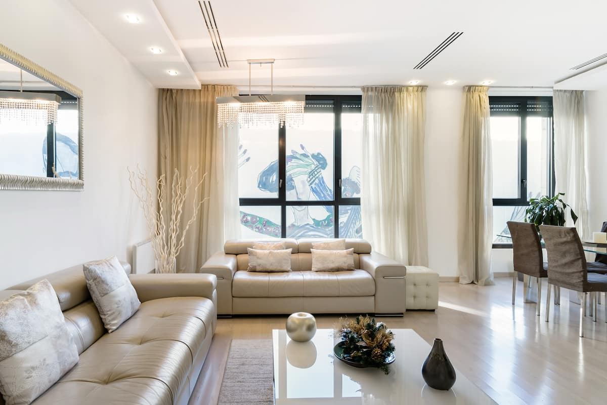 Elegant and Modern Apartment Next to the Piazza del Duomo