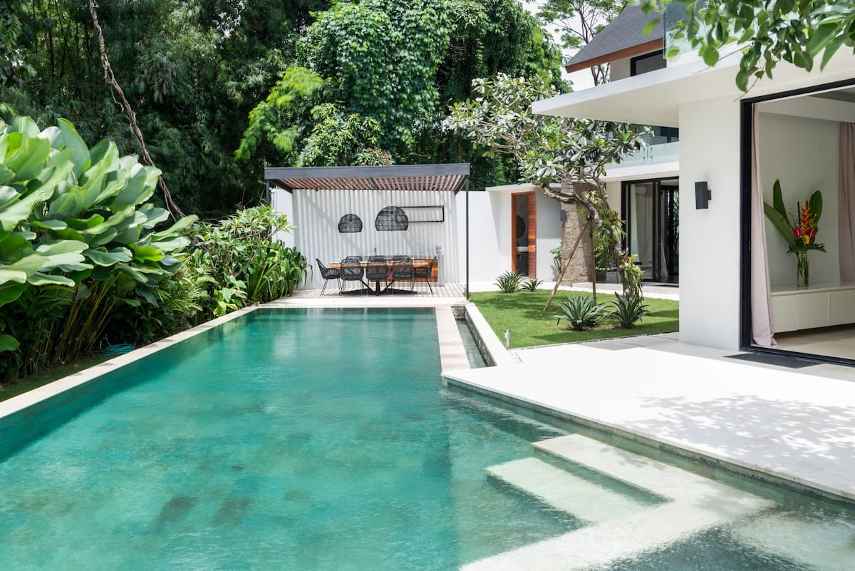 Rejuvenate in Stylish Balinese Tropical Villa