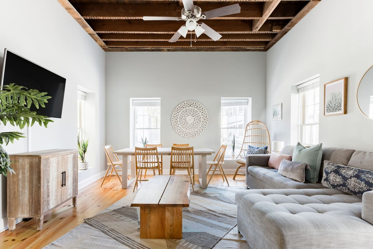 Hip, Radiant Home in Downtown Charleston