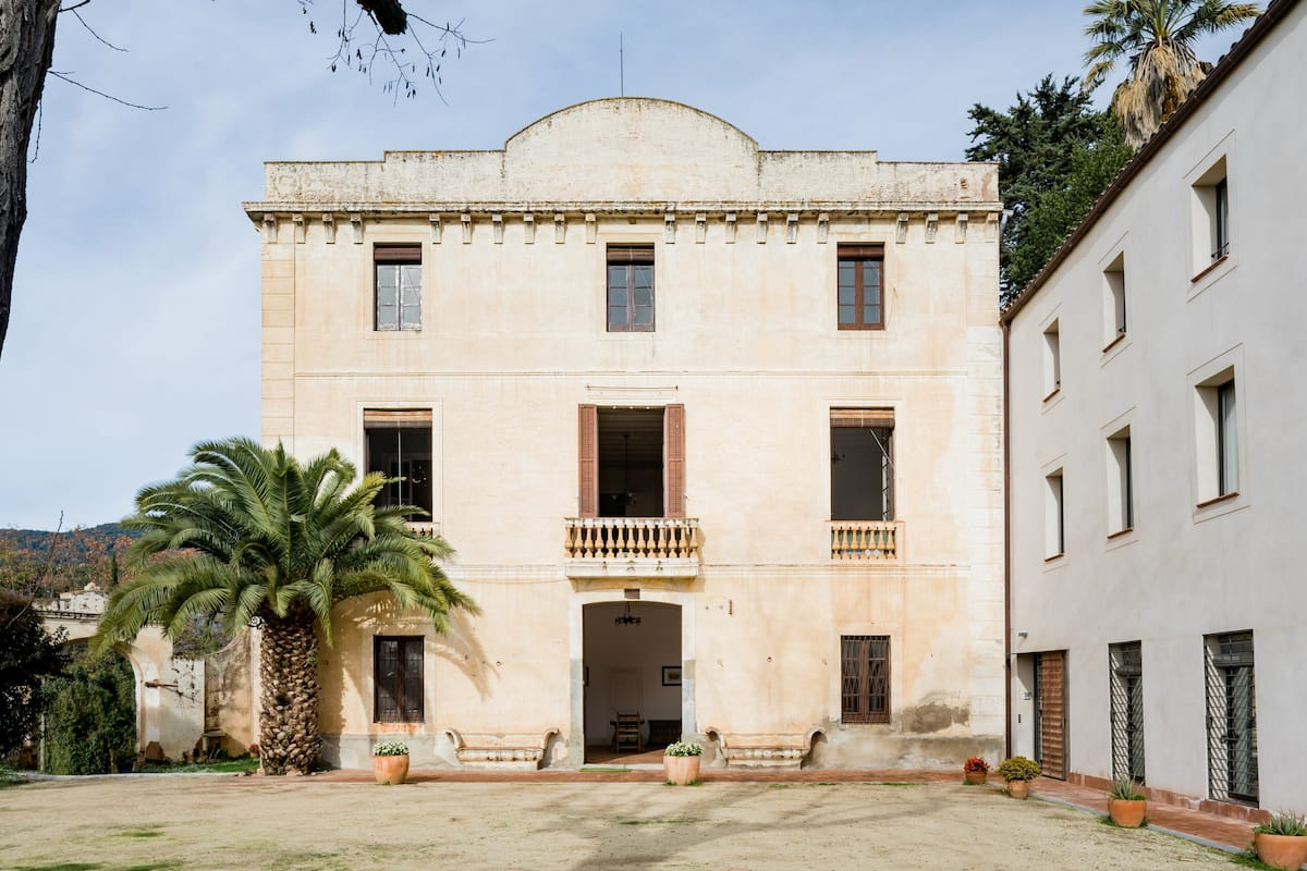 Stunning Neoclassical Property, Ideal Spot to Discover Barcelona