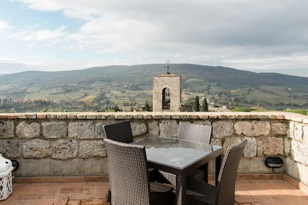 Experience staying in a real San Gimignano's tower w panoramic rooftop