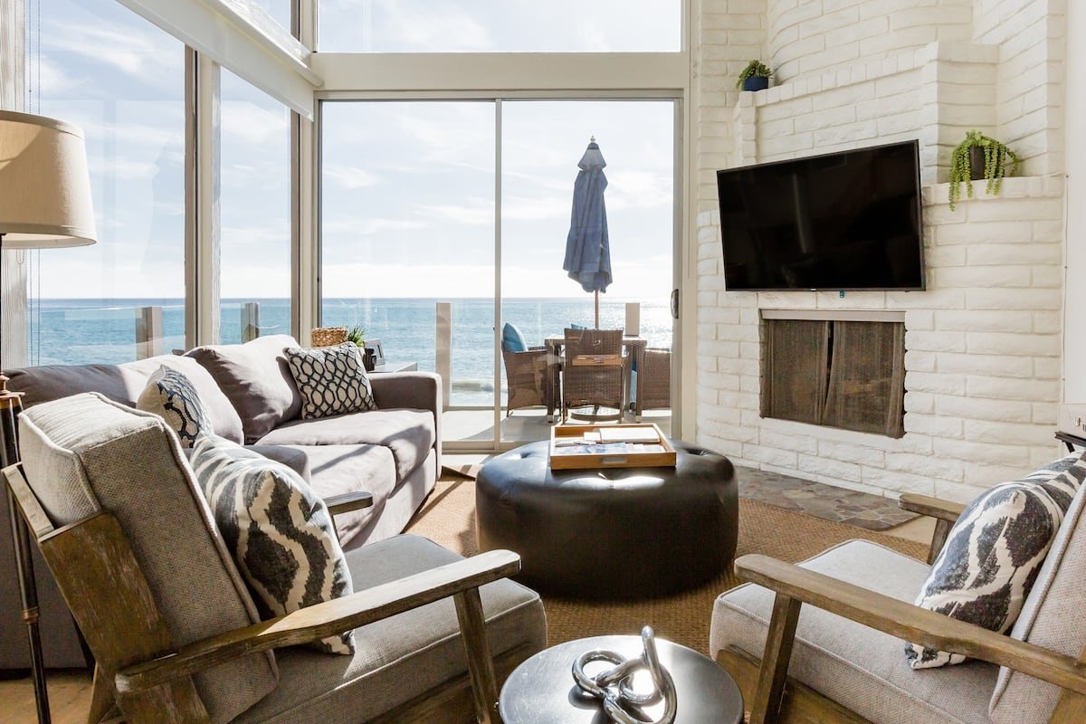 Beachfront Townhouse with Stunning Ocean Views