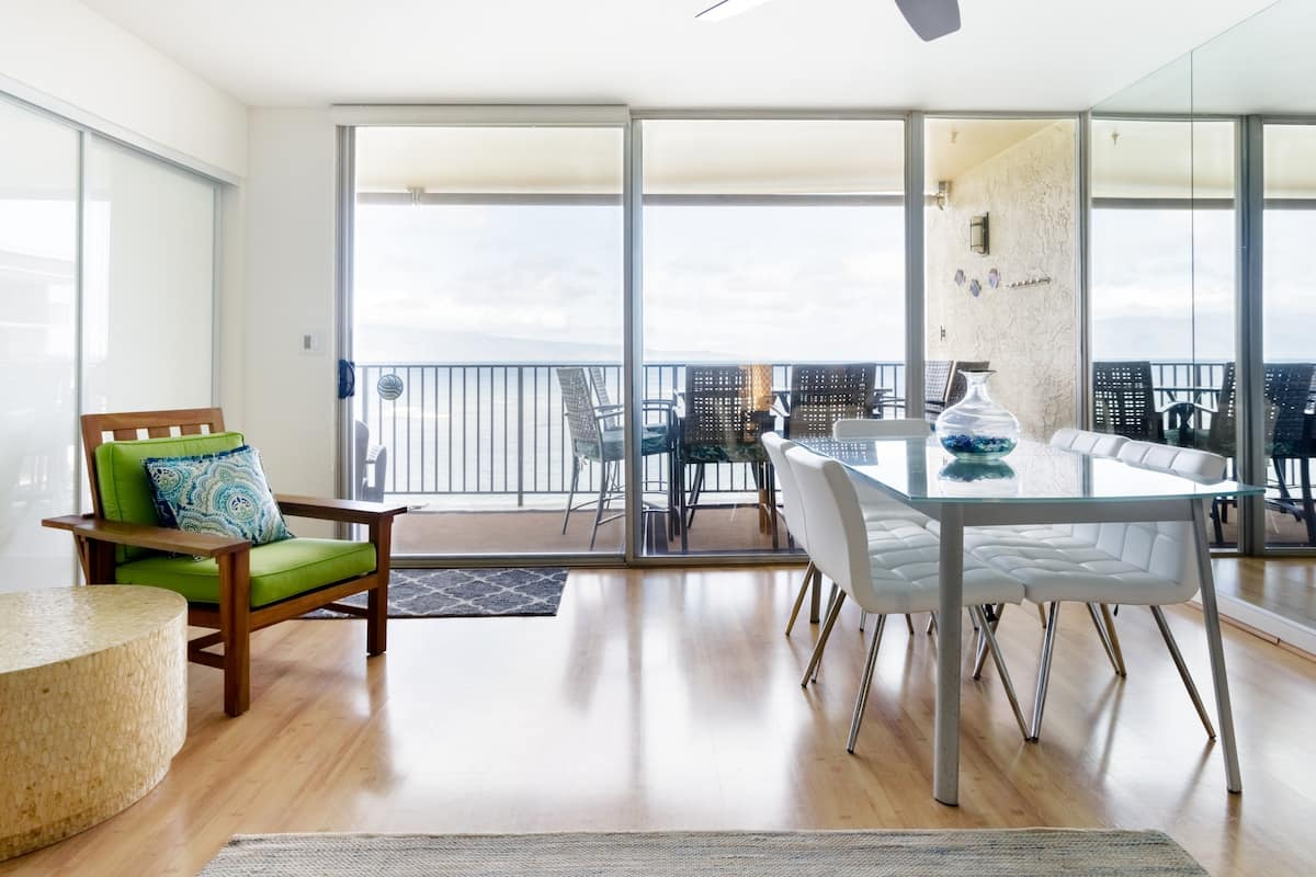 Watch the Waves from the Balcony at an Airy Oceanfront Pad