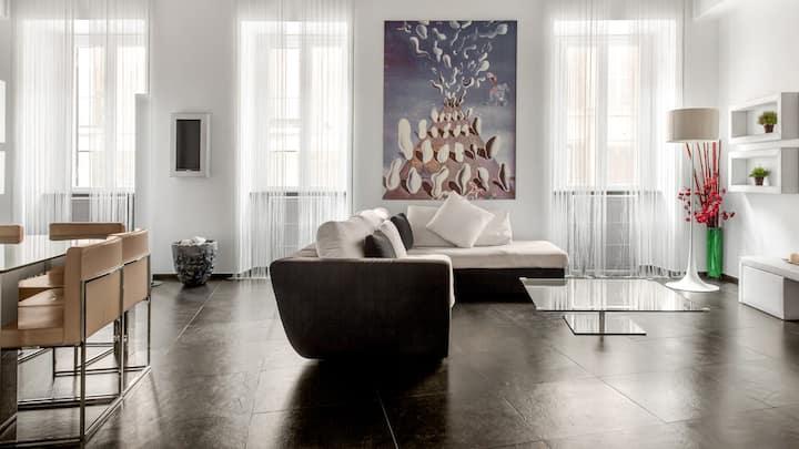 Cosmopolitan Apartment