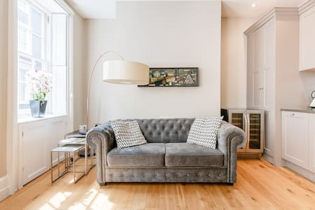 Deluxe Nomad Townhouse in Unbeatable Covent Garden Spot