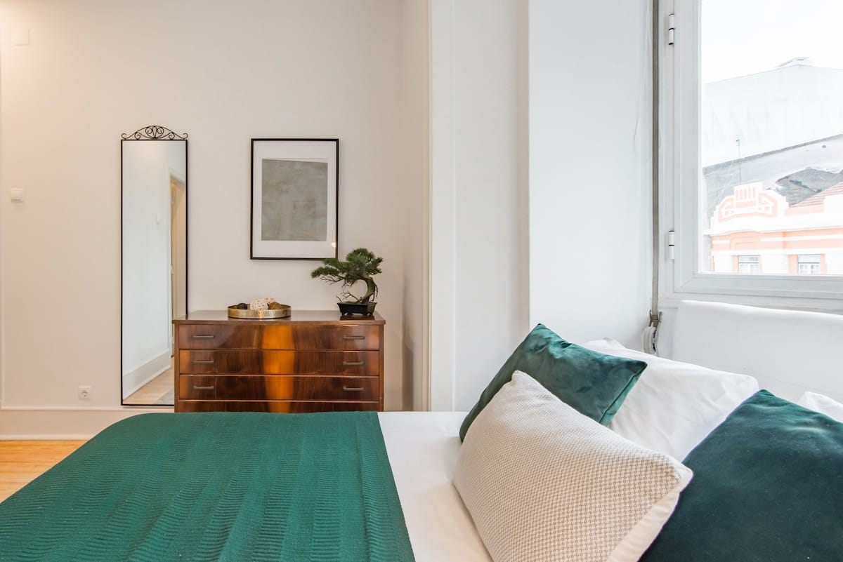 Apartment with Vintage Charm in a Historic Neighborhood