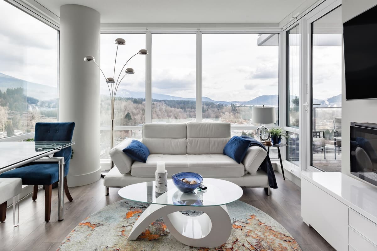 Natural Light and Mountain Views From a Sleek Condo